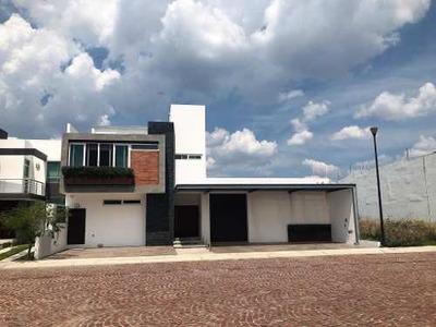 Casa En Venta En Cumbres Del Lago, Queretaro, Rah-mx-19-1571