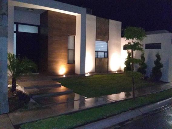 Zona Dorada Casa En Venta Aurea Residencial (ubicación Sobre