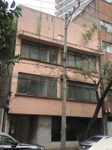 Edificio En La Nápoles