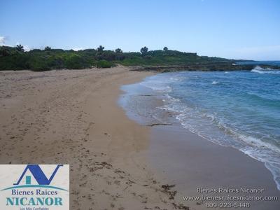 Terreno En Venta Frente A La Playa En Puerto Plata