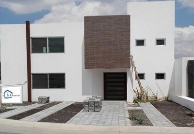 Preciosa Residencia En Grand Juriquilla, 3 Recámaras, Estudio, 3 Baños, Alberca