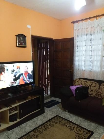 Casa Isolada 2 Qtos, 4 Gar, Prox Praia E Comércios $ 199mil