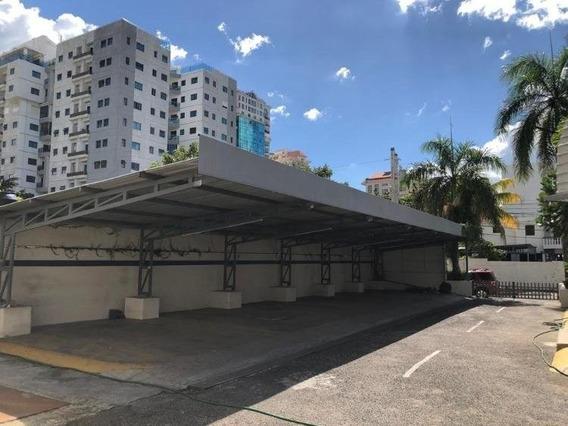 Local Comercial En Alquiler Remodelado Con 16 Parqueos