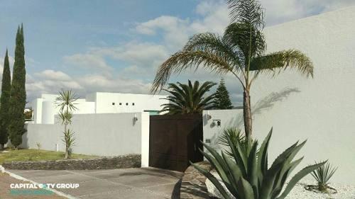 Espectacular Residencia En La Cañada Juriquilla
