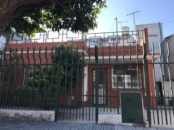 Lote En Venta De 225 M2 En Zona Industrial / La Tablada