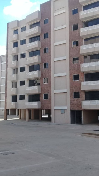 Vendo Apartamento En Resd Palmeras 2 Amoblado Moderno