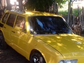 Volkswagen Brasília Amarela