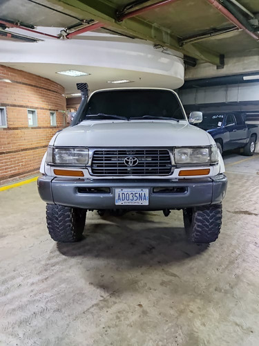 Imagen 1 de 9 de Toyota Burbuja