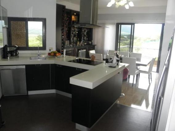 Apartamento En Venta Terrazas Del Country Valencia 20-8132gz