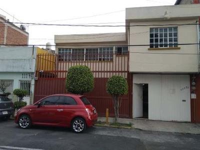 Casa Sola Con Apartamento