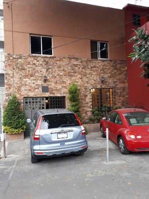 Con Excelente Ubicacion Casa En Venta, Col. Del Valle