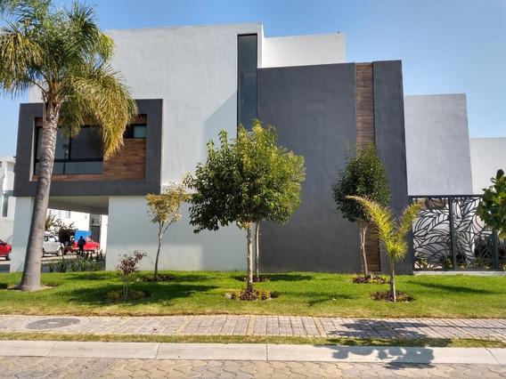 Casa En Venta En Parque Chihuahua De Lomas De Angelopolis