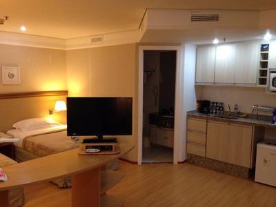 Excelente Flat Reformado Para Locação Na Vila Olímpia - 1 Dormitório Com 2 Camas De Solteiro Ou 1 De Casal! - Fl0589