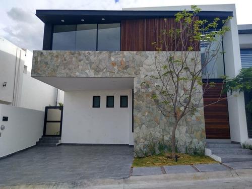 Imagen 1 de 30 de Casa En Venta 3 Recamarás Y 3 Baños Completos El Molino Club