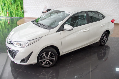 Toyota Yaris Sedan 1.5 Xs Connect Cvt (flex)