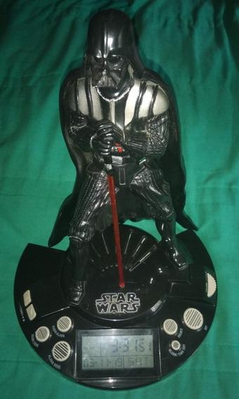 Figura Darth Vader Con Reloj Despertador Radio Y Luces