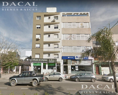 Departamento En Alquiler En La Plata Calle 13 E/ 32 Y 33 Dacal Bienes Raices