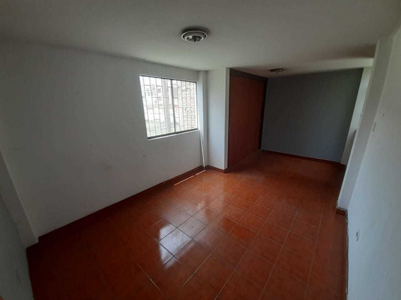 Alquilo Casa En 2do Piso