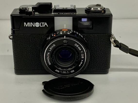 Câmera Minolta Hi-matic G2 (analógico).