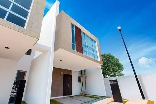 Precios Casa En Cañadas Del Lago, 3 Recámaras, 2.5 Baños, Jardín, Alberca, Roof