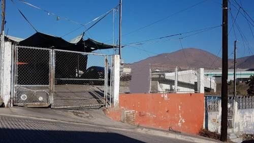 Terreno En Guaycura, Con Pequeña Casa Construida