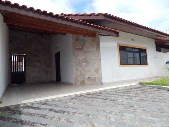 Casa C/ Edícula A Venda Na Praia De Peruíbe.