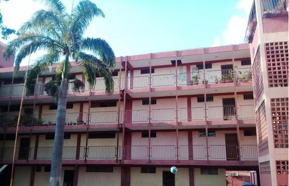Apartamento En Venta Barquisimeto 20 11271 J&m 04121531221