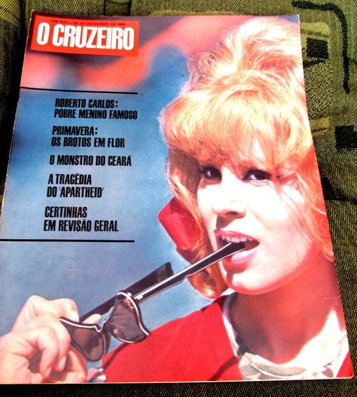 Cruzeiro 1966 Roberto Carlos Araraquara Apartheid A Biblia