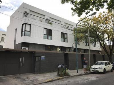 Casa En Venta -triplex-4 Ambientes-apto Credito - Vte Lopez