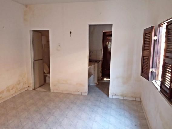 Aluguel Casa 2 Quartos, Cozinha, Quintal