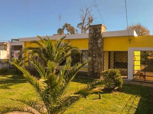 Casa  Paso De Carrasco Tres Dormitorios