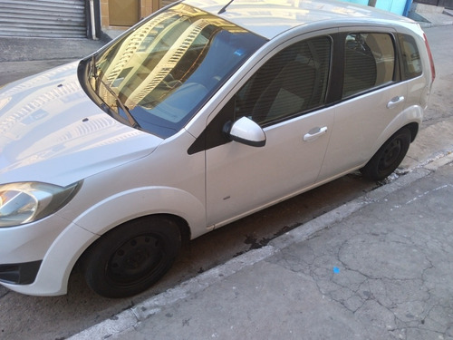 Imagem 1 de 7 de Ford Fiesta 2014 1.0 Rocam Se Flex 5p