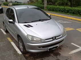 Peugeot 206 1.4 Presence Flex 5p Prata Ano 2006