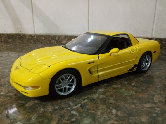 Chevrolet Corvette 1/18