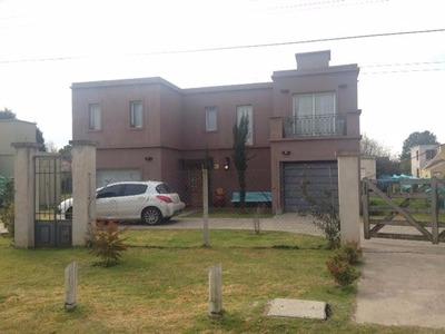 Casa Moderna En Barrio Parque Sakura