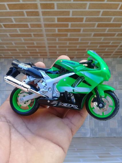 Miniatura Kawasaki Ninja Zx-9r Maisto 1:18