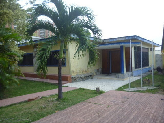 Casa En Alquiler Zona Oeste Barquisimeto 20-3435 Mf