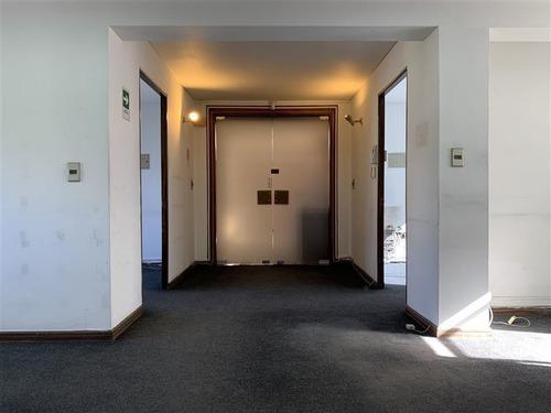 Imagen 1 de 30 de Amplia Oficina, 2 Estacionamientos, 4 Minutos Del Metro