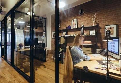 Oficina Completamente Equipada Servicios Incluidos Para 5 A 10 Personas.