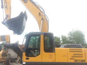 Excavadora Xe215br