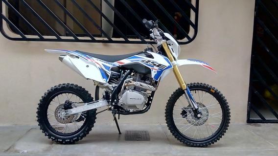 Moto Bosuer