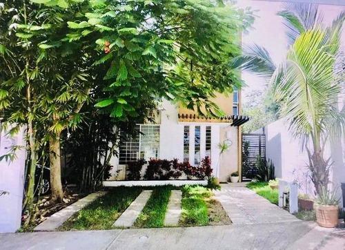 Casa Usada En Venta 3 Recamaras Esquina En El Villa Maya Playa Del Carmen