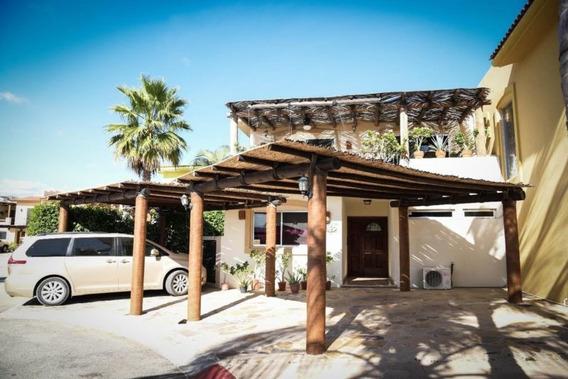 Casa En Renta En Cabo San Lucas, En Fraccionamiento Privado.