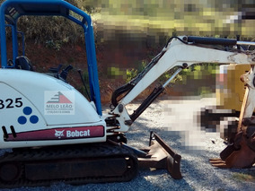 Mini Carregadeira Bobcat 325g - Ano 2010- Com +/- 6.000 Hrs