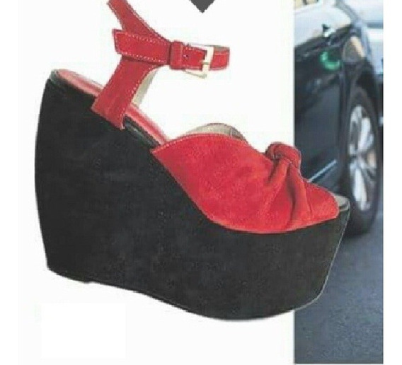 Zapatos Calzados A Eleccion De Pepe Cantero - No Sarkany