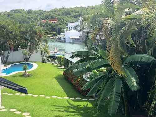 Residencia Frente Al Lago De Tequesquitengo