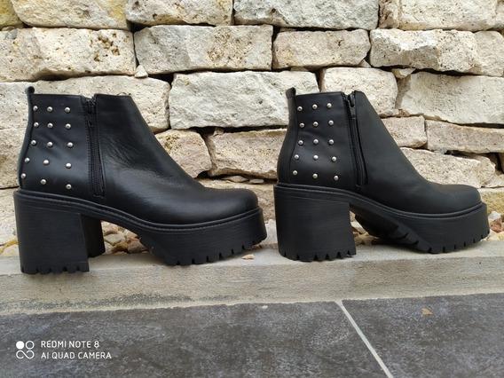 Botas De Cuero Con Tachas