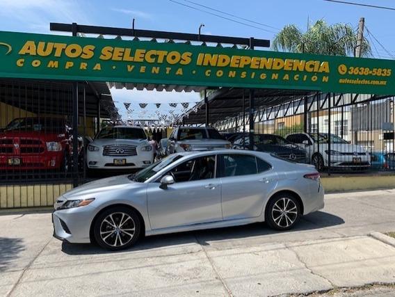 Toyota Camry Se Sedan Automatico Linea Nueva