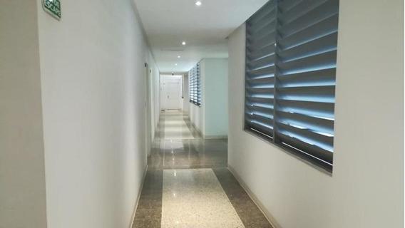 Apartamento En Venta Lomas De Las Mercedes Código 20-2053