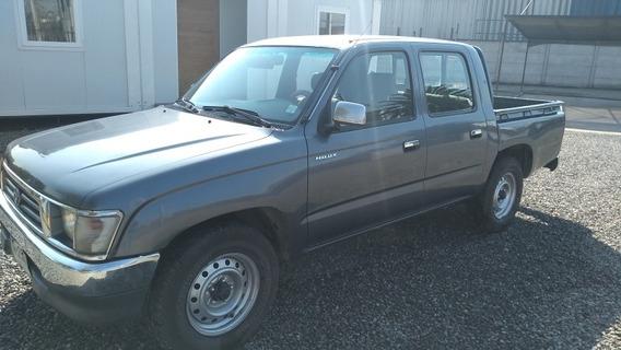 Toyota Hilux Año 2000 2.4